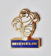 Pin's Bibendum Michelin Signé Fraisse - PPDDM - Pin's