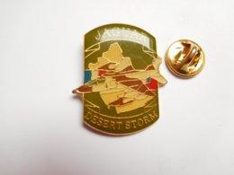 Beau Pin's , Armée Militaire , Désert Storm , Avion Jaguar , Tempête Du Désert , US - Militaria