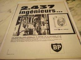 ANCIENNE PUBLICITE 2437 INGENIEURS ET   HUILE BP  1961 - Other