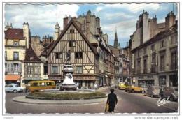 Carte Postale 21. Dijon 2 CV DS Citroën  Photographe  Café Du Moulin à Vent Trés Beau Plan - Dijon