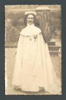 Religieuse Bonne Soeur Nonne Nun Voile Couronne De Fleurs Carte PHOTO - Personnes Anonymes