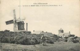 35 Ille Et Vilaine : Dol   Le Tertre Du Mont Dol Et Les Moulins  Réf 7330 - Dol De Bretagne
