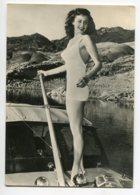 PIN UP Jolie Baigneuse  Sur Le Pont D'un Bateau Serie 118 Turismofoto écrite Vers 1960   D13 2019 - Pin-Ups