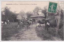 76 ISNEAUVILLE Intérieur De La Ferme Du Vieux Manoir , Fermière Trayant Des Vaches ,envoyé à Berthe Brochet Chécy - France