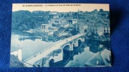 Clisson La Trinité Et Le Pont De Ville Sur La Sévre France - Clisson