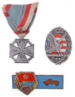 3db-os Jelvény Tétel, Közte 1916. 'Károly-csapatkereszt' Cink Kitüntetés Mellszalagon T:2 - Munten & Bankbiljetten