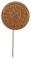 1956. 'Textiles Juniális 1956' Br Lemezkitűző (20mm) T:1- - Munten & Bankbiljetten