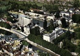 CPSM Grand Format MONTARGIS (Loiret) La Mairie Et La Caisse D'Epargne Vue Aérienne Colorisée RV  Combier - Montargis