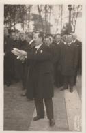 CARTE PHOTO:OBSÈQUES JEAN DE CHANDON  DISCOURS DE PIERRE FORGEOT FÉVRIER 1930 ÉPERNAY (51) PHOTO STUDIO LOTH REIMS - Epernay