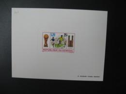 Sénégal    épreuve De Luxe  N° 401 Football  Yougoslavie Brésil  1974 - Fußball-Weltmeisterschaft