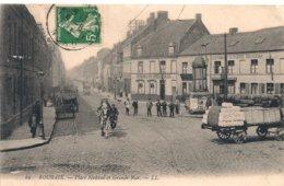 Cpa 59 Roubaix Place Nadaud Animée - Roubaix