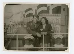 Femme Woman Homme Man Couple Decor Peint Foire Photo Surreal Bateau Boat Paquebot Normandie 40s - Personnes Anonymes