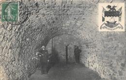 Thème   Gardes Ou Tambours De Ville.  Le Château D'Hardelot 62   Et Son Garde.Une Cave   (voir Scan) - Métiers