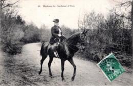 FR-30: UZES: Madame La Duchesse D'Uzès - Cheval - Uzès