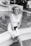 Marilyn Monroe Postcard -   Size 15x10 Cm.aprox. - Mujeres Famosas