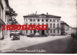DOMODOSSOLA - MUNICIPIO E MONUMENTO G. GALLETTI F/GRANDE VIAGGIATA 1951 ANIMATA - Verbania