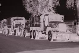 Camion Militaire NEGATIF Des Années 60 En Algérie VOIR DESCRIPTION - Krieg, Militär