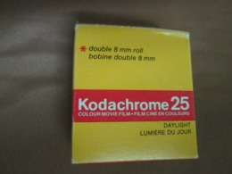 Vintage KODAK Kodachrome 25 Color Movie Camera Film Double 8 Mm Roll Daylight KM 459 - Pellicole Cinematografiche: 35mm-16mm-9,5+8+S8mm