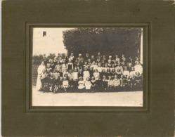 PHOTO - Ecole De Waremme Ou Orphelinat. 26,5cm X 21cm Où 17cm X 11,5cm Pour La Photo Seule. - Photos
