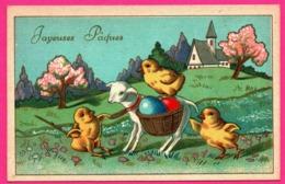 Anthropomorphisme - Poussin Tirant Un Agneau Chargé D'œufs De Pâques - Joyeuses Pâques - Poussin - Dorure - Edit. P.J. - Pâques