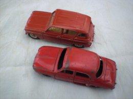 2 DINKY TOYS  Renault DAUPHINE Et R4  Fabriqué Par Meccano - Dinky