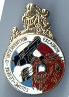 Pin's Equipe Légère D' Intervention De L' Escadron De Gendarmes Mobile 11/5 De Sathonay-Camp - Lion - - Militaria