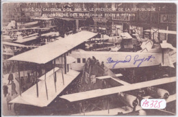AVIATION- SALON DE L AVIATION- PARIS ?- VISITE DU CAUDON C-25- PAR LE PRESIDENT DE LA REPUBLIQUE - FOCH- PETAIN - Aviation