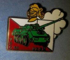 Pin's Groupement Blindé De Gendarmerie Mobile (GBGM) - VBC 90 - Versailles-Satory - Militaria