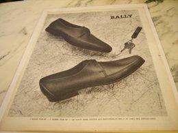 ANCIENNE PUBLICITE  CHAUSSURE BALLY 1961 - Vintage Clothes & Linen