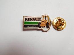 Beau Pin's , Matériel Agricole , Tracteur Renault Agriculture - Autres