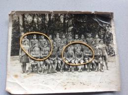 Photo Militaire Anglais Groupe Guerre 1914 -18 En Belgique ? - Militaria