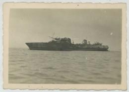 """(Bateaux) Guerre De 1939-45 . 7 Photos Du Contre-torpilleur L'""""Audacieux"""" Coulé Par Les Anglais Et échoué à Dakar . 1940 - Bateaux"""