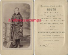 CDV Vers 1883-jeune Fille à La Mode Du Temps-photo Royer, Peintre à Caen - Anciennes (Av. 1900)