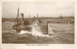 GORLESTON ON SEA - Fishing Boat, Bateau De Pêche. - Pêche