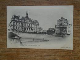 Vannes , La Place De L'hôtel De Ville - Vannes