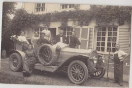Carte Photo D'une Famille Avec Son Automobile - Voitures De Tourisme