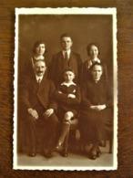 Oude FOTO --kaart     Vijf Personen  In Sepia-kleur Door Fotograaf  OMER  D' HAESE  AALST - Geïdentificeerde Personen