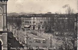 TORINO-PIAZZA CARLO FELICE E CORSO VITT.EMANUELE II-ANIMATISSIMA CON TRAM E AUTOBUS-CARTOLIN  VIAGGIATA TRA IL 1950-1955 - Places