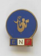 VOILE - Ancien Insigne En émail - Eli Mardini - ECOLE DE NAVIGATION FRANCAISE  **** EN ACHAT IMMEDIAT **** - Publicidad (Avisos)