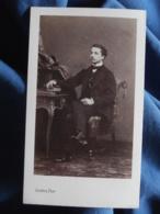 Photo CDV Disdéri à Paris - Second Empire Jeune Homme élégant Assis (Albert Mercié) Circa 1860 L466 - Foto