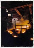 Carte Postale 54. Longwy  USINOR  Coulée à La Sortie Du Haut-Fourneau  Trés Beau Plan - Longwy