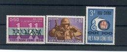 A24549)Vietnam 321 - 323** - Vietnam