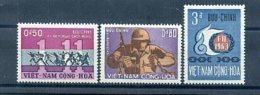 A24548)Vietnam 321 - 323** - Vietnam