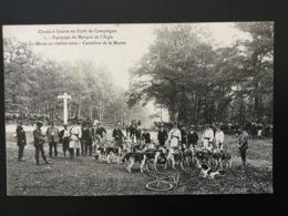 CPA Chasse à Courre En Forêt De Compiègne Numéro 1la Meute Au Rendez-vous - Chasse