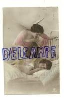 Photographie. Deux Anges Qui Veillent Sur Le Sommeil D'une Petite Fille. 1923 - Anges