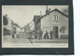 53-LE GENEST-saint-ISLE- Une Vue Animée De La Gare-Le Pertsonnel Rue De La Gare - Le Genest Saint Isle