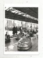 Cp, Couple ,  Fête Foraine , Auto Tamponneuse ,photo. Izis ,1950 ,vierge - Paare