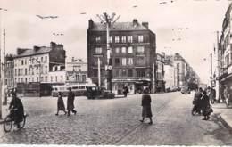 76 - LE HAVRE Rond Point Et Rue Ml Joffre ( Animation Bus Autos ) CPSM Dentelée Noir Blanc Format CPA - Seine Maritime - Le Havre