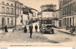 D47  SAINT BARTHÉLÉMY  ......... Place Du Centre - Arrivée De L'Autobus - Busse & Reisebusse