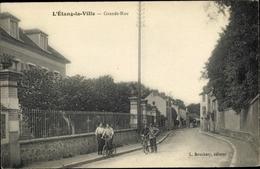 Cp L'Etang La Ville Yvelines, Grande Rue - Francia